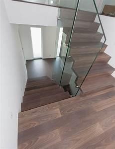 Treppenstufen Aus Glas : treppenstufen aus dunklem holz ~ Bigdaddyawards.com Haus und Dekorationen