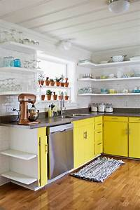 Cuisine Non équipée : petite cuisine quip e jaune que l 39 on peut cacher dans un placard g ant et autres cuisines ~ Melissatoandfro.com Idées de Décoration