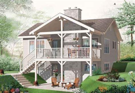 walk outdaylight basement house plan house plans pinterest small houses walkout basement