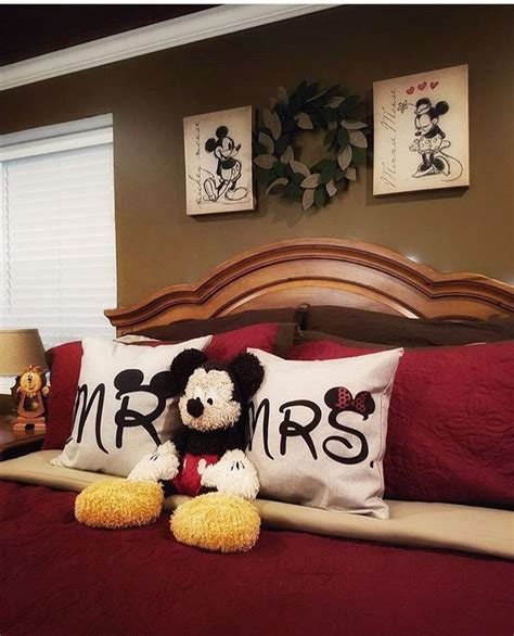 decoration mickey chambre 17 best images about disney home decor on
