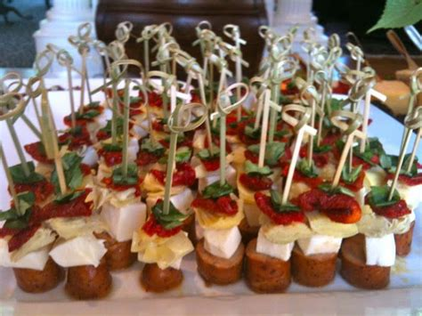 light hors d oeuvres steered beef tenderloin cubes and horseradish cream
