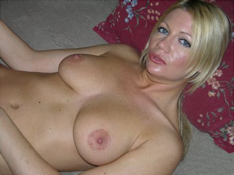 moms horny 15 in gallery mom s horny again picture 16 uploaded by booy1011 on
