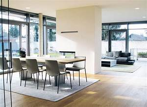 Moderne Stühle Esszimmer : inneneinrichtung eines wohnhauses ~ Markanthonyermac.com Haus und Dekorationen