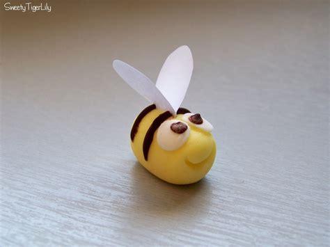 abeille pate a sucre abeilles en p 226 te 224 sucre sweetytigerlily overblog g 226 teau avec p 226 te 224 sucre