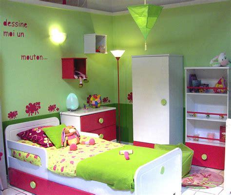 chambre de fille 2 ans fantaisie chambre fille ans decoration chambre