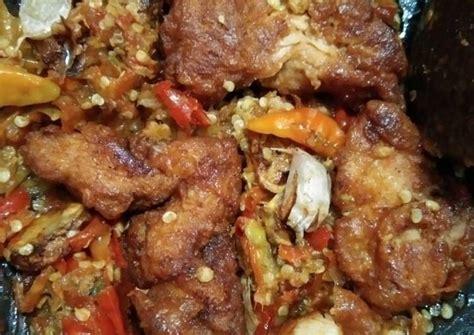 Resep sambal bawang pedas gurih dapat anda lihat pada video berikut. Resep Ayam penyet sambel bawang - Resep Enak Indonesia