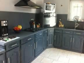 relooker cuisine chene repeindre des meubles de cuisine rustique de nouveaux