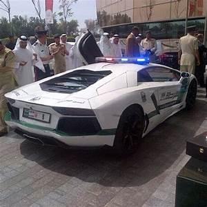 Voiture Police Dubai : duba la police en lamborghini aventador tout est normal ~ Medecine-chirurgie-esthetiques.com Avis de Voitures