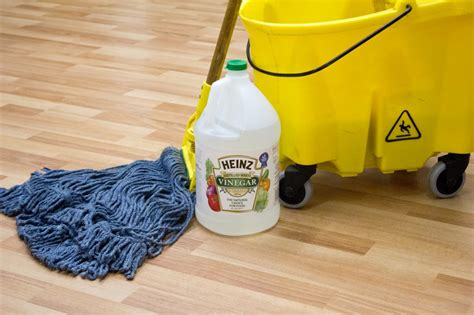 cleaning solution for laminate floors how to restore laminate floor shine