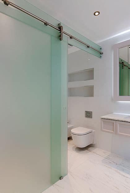 7 ? Frameless WC/Shower Enclosures   SSI