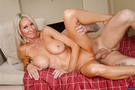Stretched A Tight Beaver Slow Wifes Emma Starr Get Drilled In Her Super Deeper