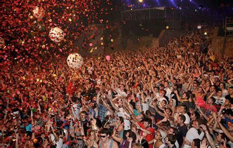 enjoy    barcelona festivals     barcelona