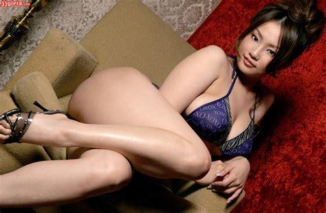 Japanese Av Starlets Are Moonlighting As Prostitutes
