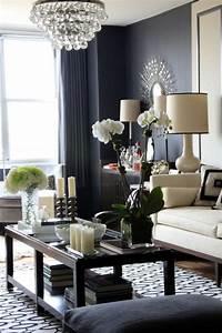 Dark gray living room prettylove the dark grey walls for Home decor for gray furniture
