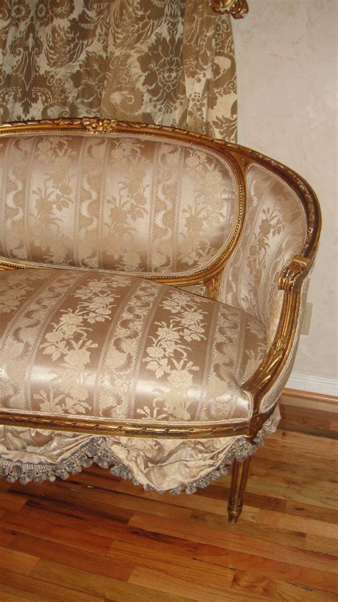 Ebay Settees Used by Antique Settee Sofa Loveseat Circa 1800 S Scallops