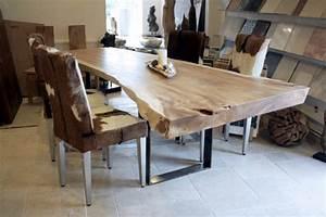 Große Tische 10 Personen : esstisch aus einem massiven baumstamm tischgestell rohstahl der tischonkel ~ Bigdaddyawards.com Haus und Dekorationen