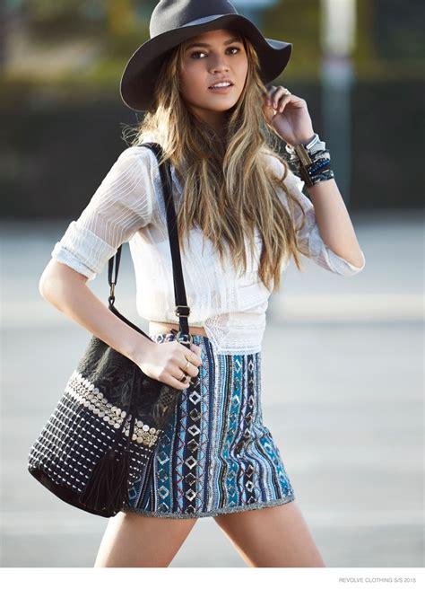 chrissy teigen  shopping  revolve clothing spring