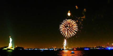 New Years Boat Cruise Nyc by New Year S In New York Newyorkcity Uk