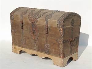 Truhe Mit Schloss : barock truhe runddeckeltruhe aus eiche 18 jahrhundert antik 3508 ebay ~ Whattoseeinmadrid.com Haus und Dekorationen