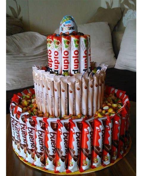 torte aus süßigkeiten basteln torte aus schokoriegeln basteln s 252 223 igkeiten geschenk geschenke und kreative geschenke