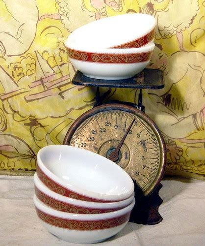 glass pyrex milk cereal bowls dessert bronze rust band sixties five rare pattern kitchen