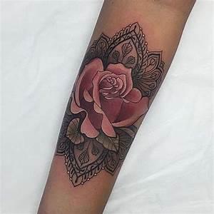 Tatouage Avant Bras Femme Mandala : exemple tattoo rose mandala femme interieur avant bras ~ Melissatoandfro.com Idées de Décoration