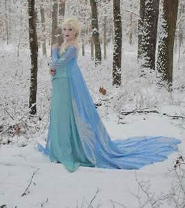 photo la robe de la reine des neiges With robe de reine des neiges