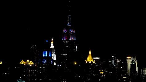 empire state building nye light show animal