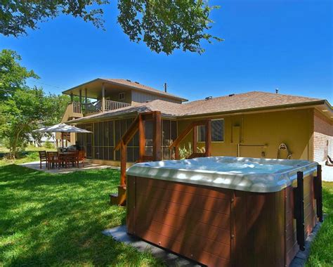 Canyon Lake Cabin Rentals With Boat Dock by Take A Boat Vacation Find Vacation Rentals With Boat