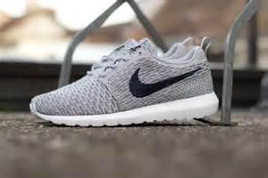 Nike Flyknit Wolf Grey Roshe