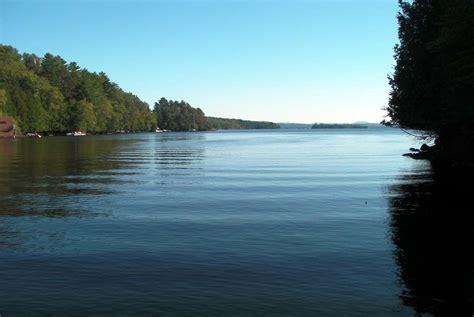 chalet au qu 233 bec bord de lac en estrie