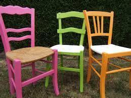 comment repeindre une chaise en bois vernis résultat de recherche d 39 images pour quot peindre chaises bois paille quot idée cuisine