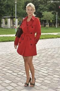 Couleur Qui Va Avec Le Rouge : virginie efira arbore un trench basique de toutes les ~ Melissatoandfro.com Idées de Décoration