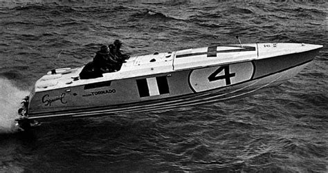 Glastron Race Boats by Outboard