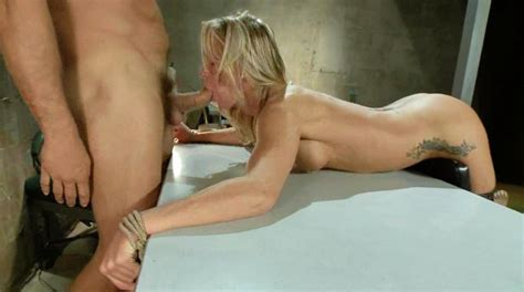 Nude Dominatrix Dominant Housewife Female Slave Position