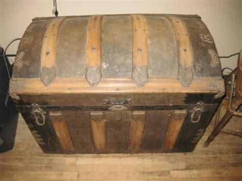 Round Top Trunk Antique ! Hand Stamped Metal ! Large