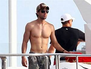 Enrique Iglesias Height Weight Body Measurements ...