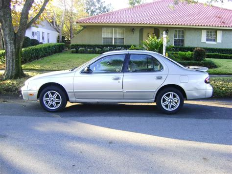 1995 Nissan Altima 1995 nissan altima i pictures information and specs