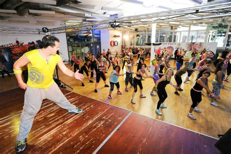zumba dance beginners class india dos tips basic ts don joining before wear