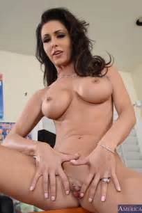 Jessica Jaymes Got Naked In Her Office MILF Fox