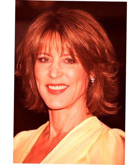 hairstyles  women   years  ellecrafts
