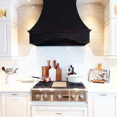 decorating kitchen cabinets best 25 kitchen range hoods ideas on range 3114