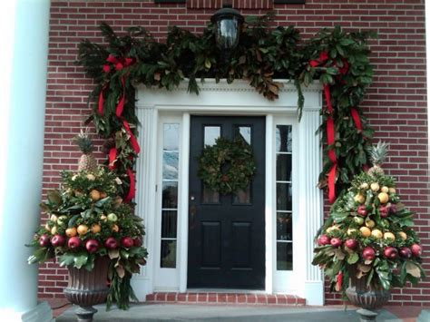 extravagant christmas decorations   front door