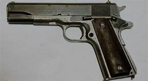 Vidéo De Pistolet : fusillade de toulouse qui poss de un pistolet de 11 43 mm ~ Medecine-chirurgie-esthetiques.com Avis de Voitures