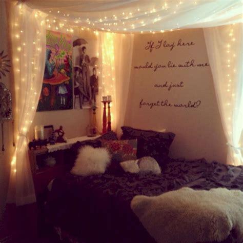 Cozy Bohemian Teenage Girls Bedroom Ideas (12)  Round Decor