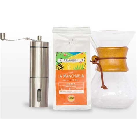 """This type of processing coffee beans is halfway between a washed coffee and a natural process coffee: Kit """"Coffee Lover"""" - Café La Manchuria"""