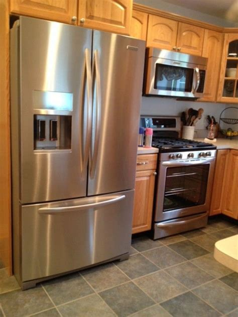 flooring cabinets oak kitchen cabinets wuth wood floors what kind of wood floors with oak cabinets kitchens