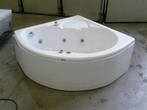 vasca da bagno piccola con seduta supra angolare con seduta 120 cm