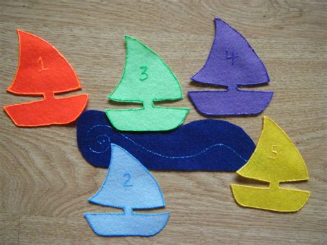 felt board ideas five sailboats felt board poem 215   001