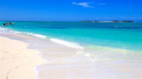 Images Of Beach Sand Cable Beach In Nassau Expedia